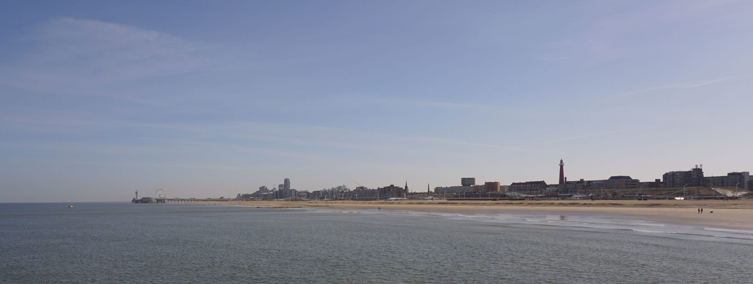 BANANA-ONLINE-MARKETING-de-pier-scheveningen-met-vuurtoren